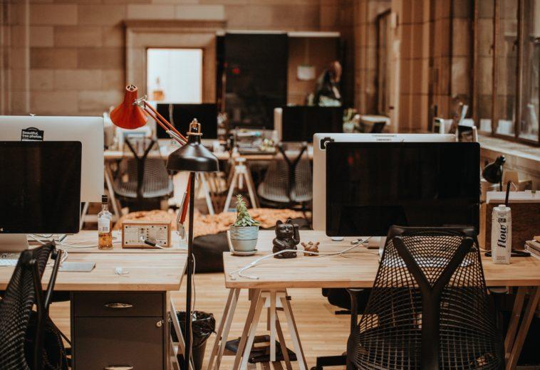Soluciones integrales de teletrabajo para toda la oficina.
